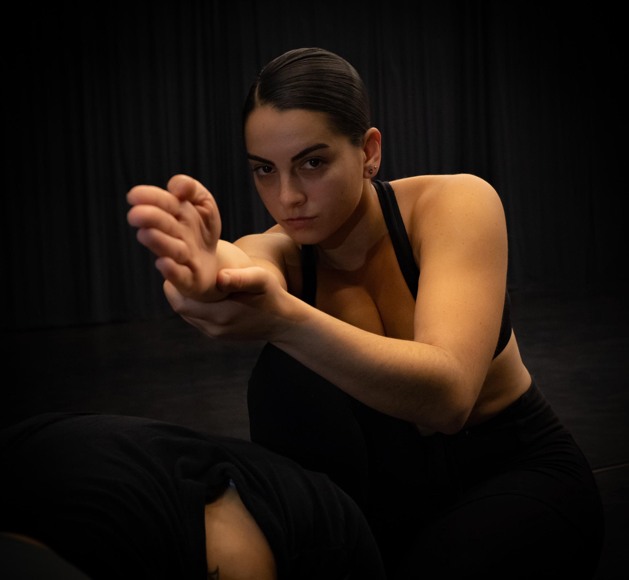 "Rehearsal: ""keep and bear"" 2018 Dancer: Janine Montag Photographer: Andrew Wofford (insta: @andrewwofford)"